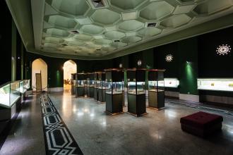 نمایشگاه دائمی هنرهای لاکی