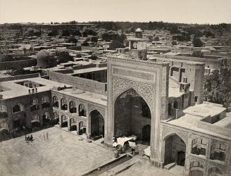 نمایشگاه عکس های قاجاری حرم رضوی