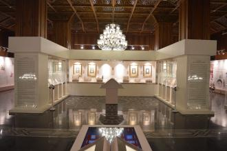 نمایشگاه هزار داستان