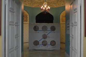 نمایشگاه تک اثر هفدهم اولین سکه اسلامی