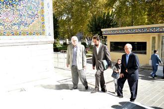 استاد «محمود فرشچیان» در بازدید از کتابخانه و موزه ملی ملک: آثار نفیس مجموعه حاج حسین آقا ملک، بوی بهشت میدهند