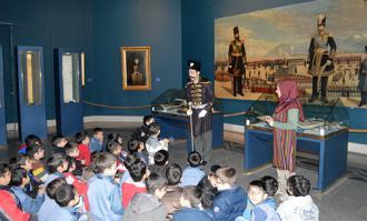 کارگاه آموزشی مصطفی رحماندوست در کتابخانه و موزه ملی ملک با موضوع «قصهپردازی برای آثار» برگزار میشود
