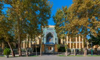 زمان خدماترسانی فرهنگی کتابخانه و موزه ملی ملک در نیمه نخست سال ۱۳۹۴