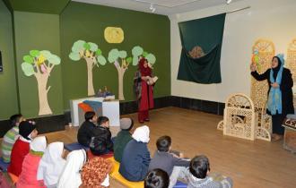 سومین مرحله تور و کارگاه قصهگویی «باغ قصهها» به مدت ۱۰ هفته در کتابخانه و موزه ملی ملک برگزار میشود