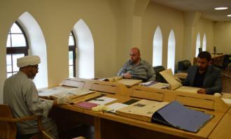 بازدید مدیران کتابخانه و دارالمخطوطات آستان حضرت ابوالفضل عباس (ع) از کتابخانه و موزه ملی ملک