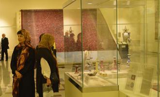 بازدید مدیر موزه هنرهای زیبای پوشکین روسیه از کتابخانه و موزه ملی ملک