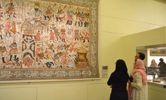 ایان بیگس: به جهانگردان استرالیایی پیشنهاد میدهم کتابخانه و موزه ملی ملک را ببینند