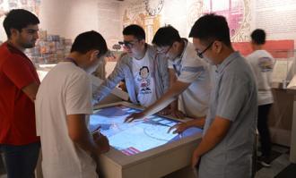 بازدید دانشجویان 11 کشور جهان از کتابخانه و موزه ملی ملک/ گزارش تصویری