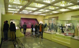 استقبال گسترده گردشگران از برنامههای نوروزی کتابخانه و موزه ملی ملک