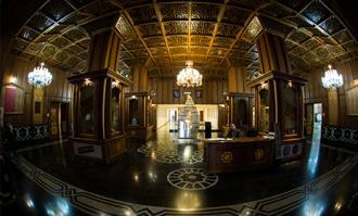نمایشگاه سالنامههای تاریخی تهران در کتابخانه و موزه ملی ملک گشایش مییابد