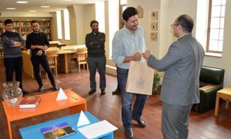 کتابخانه و موزه ملی ملک از برگزیدههای پژوهشگر و دوستدار کتاب در تالارهای کتابخانهای تجلیل کرد
