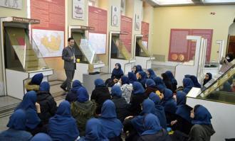 تجربه لذتبخش همنشینی کودکان و نوجوانان با تاریخ و فرهنگ در کتابخانه و موزه ملی ملک