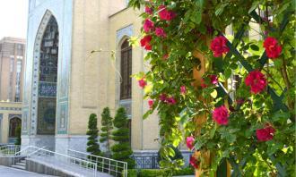 بهاریه کتابخانه و موزه ملی ملک