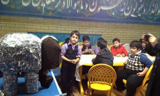 روایت حکایت «فیل در تاریکی» مولانا برای دانشآموزان تهرانی